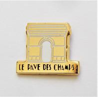 Pin's Arc De Triomphe Le Pavé Des Champs -rc - Altri