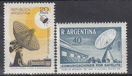 ARGENTINA 1030-1031,unused - Telecom