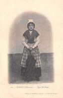 RUFFEC - Type Du Pays - Femme En Costume Folklorique Avec Parapluie - Cliché M. Rousseau - Précurseur - Ruffec