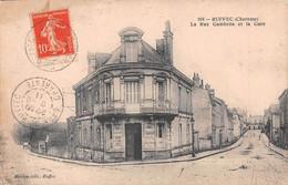 RUFFEC - La Rue Gambetta Et La Gare - Ruffec