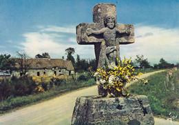 BRETAGNE STE ANNE D'AURAY Calvaire Sur La Route Bretonne - Monumenti