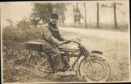 Photo CPA Mann Auf Einem Motorrad, 478351149 - Altri