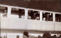 Photo CPA Personen In Einer Luftschiffgondel, Zeppelin - Sin Clasificación
