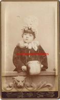 CDV  Jolie Fillette Et Son Manchon-photo Pannelier à Paris - Oud (voor 1900)