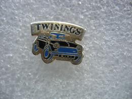 Pin's D'une Automobile MINI De Couleur Bleue. Twinings - Non Classificati
