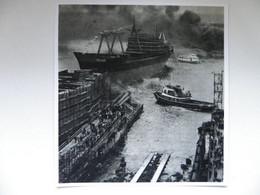Launching  In Szczecin Port /   Tug /   Illustration Reproduction - Autres