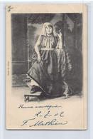 Algérie - CONSTANTINE - Femme Mauresque Fumant Une Cigarette - Ed. Bazar Du Globe - Mujeres