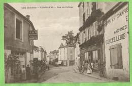 F0977  CPA CONFOLENS  (Charente)  Rue Du Collège -  CAFE RESTAURANT BOIREAU -  QUINCAILLERIE ...   +++++ - Confolens
