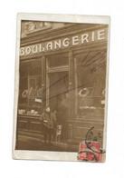 Carte Photo à Identifier Facade De Boulangerie Avec Personnes Devant La Porte - Photos