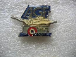 Pin's Avion Militaire, Foire De DIJON En 91 Sponsorisée Par Les Assurances AGF - Banks
