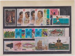 OCEANIE- NIUE-LOT TP Entre Les N° 117 & 181  XX-MNH  1969 - Niue