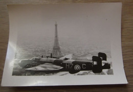 PARIS 75 TOUR EIFFEL PHOTOGRAPHIE PHOTO Ancienne Vue Aérienne Avion Aviation - Plaatsen