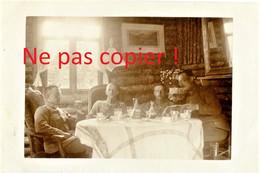 CARTE PHOTO ALLEMANDE - OFFICIERS DANS UN BLOCKHAUS A PROUVAIS PRES DE AMIFONTAINE AISNE - GUERRE 1914 1918 - Oorlog 1914-18