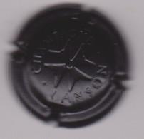 Capsule Champagne FAGOT Michel { NR : Crème Et Or , Barre Courte Sur La F } {S42-21} - Non Classificati
