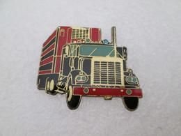 PIN'S     TRUCK   CAMION   AMERICAIN - Transportation