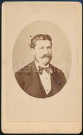 Cca 1880 Férfiportré, Keményhátú Fotó Pellicciari Modenai Műterméből, 10,×6 Cm - Non Classés
