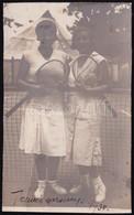 1930 Teniszező Hölgyek, Kartonra Ragasztott Fotó, Feliratozva, Felületén Törésnyom, 13×8 Cm - Non Classés