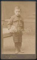 Cca 1910 Kisfiú Sapkával, Keményhátú Fotó Az Auer Fivérek Műterméből, 10,5×6,5 Cm - Non Classés