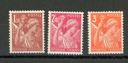 FRANCE -  IRIS - N° Yvert 652+654+655** - 1939-44 Iris