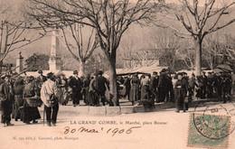 30 / LA GRAND COMBE / LE MARCHE / PLACE BOUZAC / RARE ET TRES JOLIE CARTE - La Grand-Combe