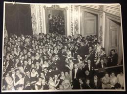 C2/6 - Baile Em Salão Nobre * Bal Dans La Salle Noble  (23*17,5cm) - Anonymous Persons