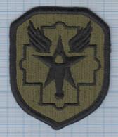USA / Patch Abzeichen Parche Ecusson / United States Of America 8th Medical Military Brigade. - Ecussons Tissu