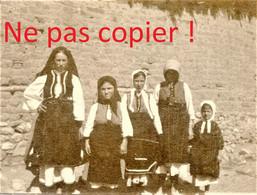 PHOTO FRANÇAISE - TENUE DU DIMANCHE A LESKOVIC Leskovitsa Лесковица - MACEDOINE DU NORD - GRECE GUERRE 1914 1918 - 1914-18