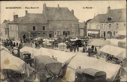 CPA Henrichemont Cher, Place Henri IV, Le Marché - Otros Municipios