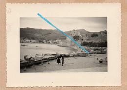 Dept 66 : ( Pyrénées Oriantales ) Collioure, Photo, Mer, Le Port, Barques, Habitations, Septembre 1957, Animée. - Andere