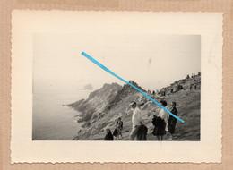 Dept 29 : ( Finistère ) La Pointe Du Raz, Rocher, Mer, Animée, 07 Aout 1960. - Andere