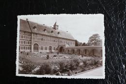 Pi/13 -  Namur  Rochefort - Abbaye Cistercienne De St. Remy, Rochefort  Cour D'Honneur - Pas Circulé - Rochefort