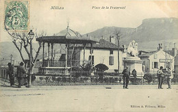 - Aveyron -ref-A520- Millau - Place De La Fraternité - Kiosque à Musique - Kiosques à Musique - Statue - - Millau