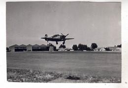 PHOTO  AVION  AVIATION  ATTERRISSAGE  HAWKER HURRICANE - Aviación