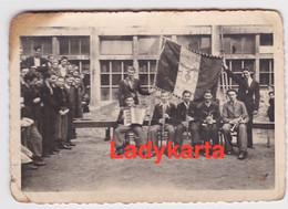 TIENEN - TIRLEMONT - TECHNISCHE SCHOLEN - FOTO VAN 11 MEI 1945 (OORLOGSJAREN) - ORKESTJE - Andere