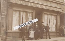 CAFÉ DU SPORT - FAURE  - Carte Photo Devanture D'un Café - Lettrage Du Panneau Signé SARTORIO. A Situer - Caffé