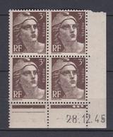 N° 715 Marianne De Gandon : Beau Bloc De 4 Timbre Neuf Impeccable Coins Datés 28.12.45 - 1940-1949