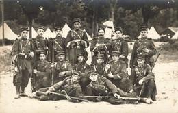 MILITARIA , Carte Photo  , 101 Em Régiment  D'Infanterie , Campement , Clairon, Fusils - Regimenten