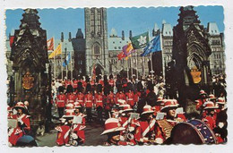 AK 03901 CANADA - Changing Of The Guards With The Canadian Guards Band - Modern Cards