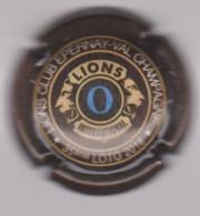 Capsule Champagne LIONS CLUB { N°54k : LIONS CLUB EPERNAY-VAL 35ème LOTO 2018 Marron Foncé Et O Bleu } {S42-21} - Non Classificati