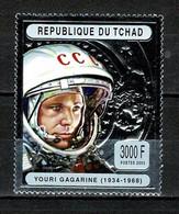 Tchad Space 2004 70th Anniversary Of The Birth Of Yuri Gagarin On Silver Stamp. - Tsjaad (1960-...)