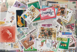 Motives Stamps-300 Different Athletics Stamps - Atletica