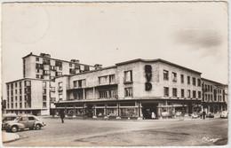 HIRSON (02- Aisne) Place De La Victoire - 4 Cv Renault - Hirson