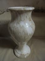 Ancien - Vase En Marbre Blanc Veines Beiges Début 20e Siècle - Autres