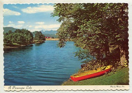 AK 04047 CANADA - A Picturesque Lake - Modern Cards