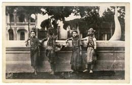 Cambodge -  Phnom-Penh  -  Daseuses Royales Dans La Cour Du Palais - Cambodge