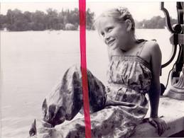 Foto Persfoto Photo - Mode Meisje Fille ,broekpak Becopa - 1981 - Non Classificati