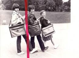 Foto Persfoto Photo - Mode - Pub Reclame Samsonite - Terug Naar School - 1981 - Non Classificati