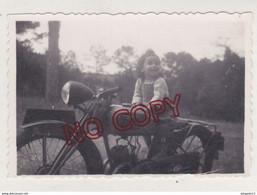 Au Plus Rapide Enfant Sur Moto Monet Goyon Fin Des Années 40 - Automobili
