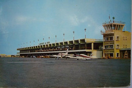 Avion / Airplane / L'aéroport De Beira, Moçambique / Beira Airport, Moçambique - Aeródromos