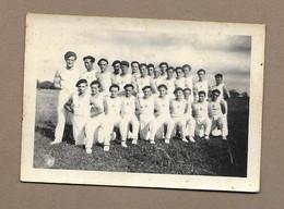 PHOTO 6,5 X 9 Cm Des Années 1930.. CLUB De GYMNASTIQUE De FLERS De L'ORNE (61).. Gymnastes - Sport